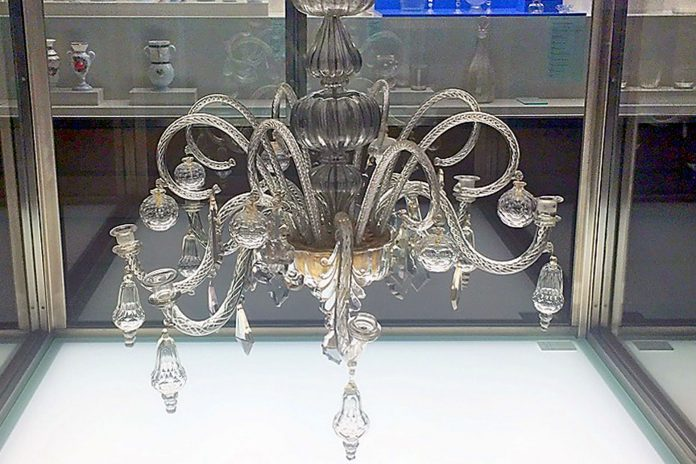 museo segovia pieza mes lampara arana sXVIII Real Fabrica Cristales vidrio