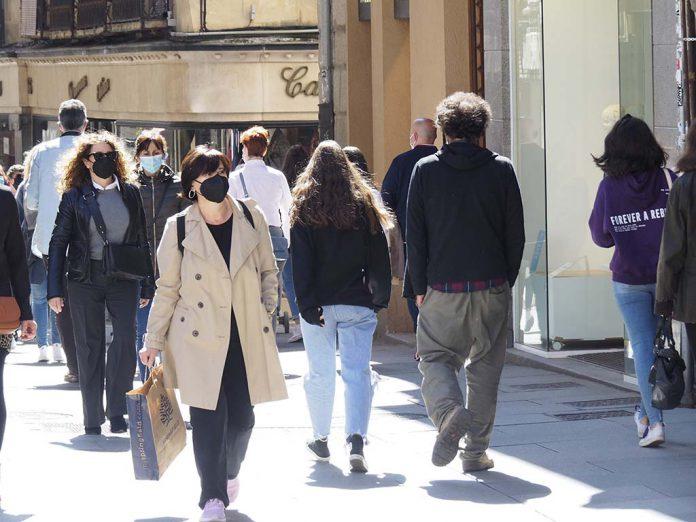 Calle Gente Mascarillas Coronavirus 1