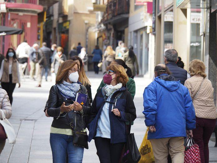 Calle Gente Mascarillas Coronavirus KAM