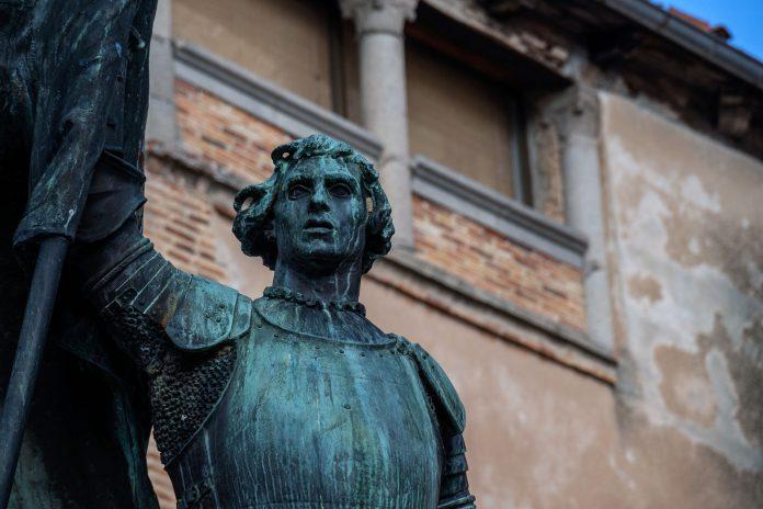 Estatua Juan Bravo KAM4318