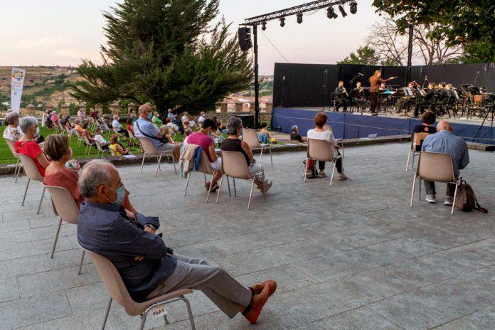 Festival Oasis Cultura Concierto Orquesta Sinfonica OSCYL KAM1810