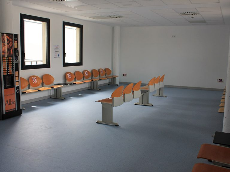 El Hospital abre la sala de espera de Urgencias para acompañantes de pacientes
