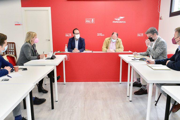 El PSOE demanda una línea regular entre Segovia y Soria