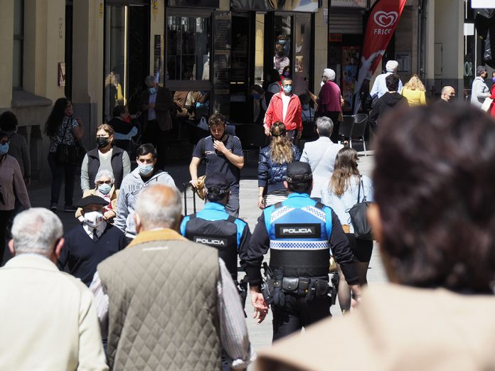 Calle Gente Coronavirus KAM2116