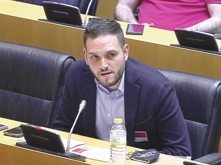 Un alcalde joven lleva al Congreso la voz de la 'Segovia vaciada'