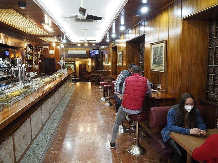 Bar Interior Coronavirus KAM
