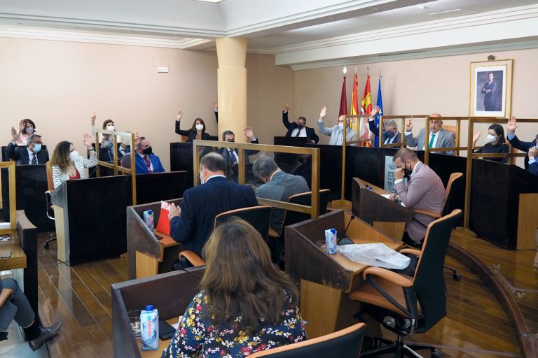 La Diputación vota en contra de los peajes en las autovías
