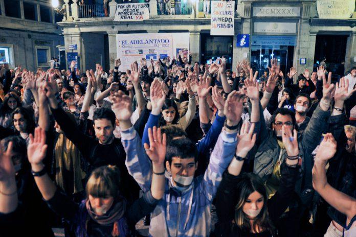 Elecciones Concentracion 15M Madrugada KAM2592