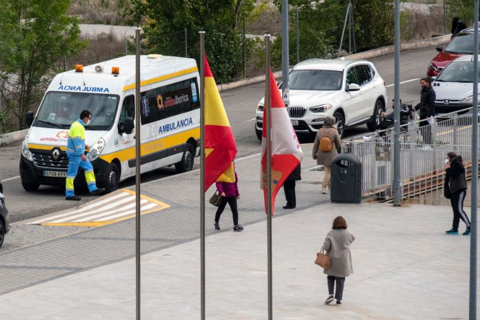 Hospital General Ambulancia Coronavirus KAM0740