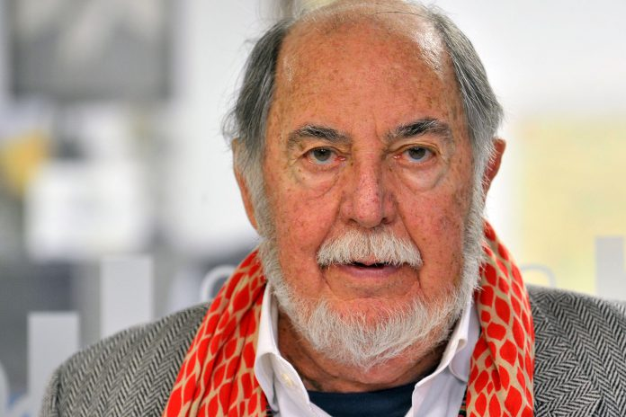 Después de haber aterrizado en la provincia en 1968, en la actualidad Julio Feo reside en Segovia, donde dedica su tiempo a la lectura, la escritura y la cocina. / KAMARERO