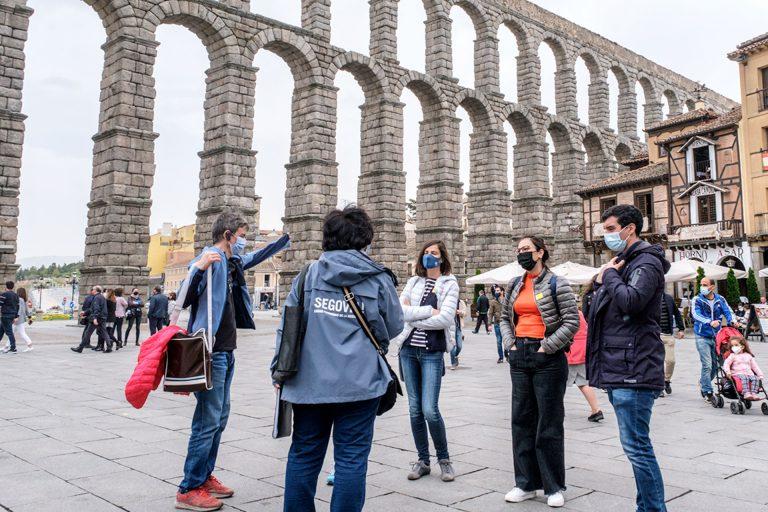 Los guías oficiales piden que aumenten los aforos en las visitas