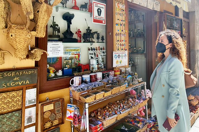 ayuntamiento ciudadanos noemi otero tiendas recuerdos