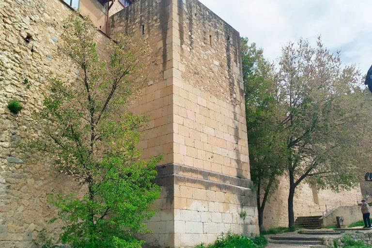 Ayuda de Cultura para seguir consolidando la murallla
