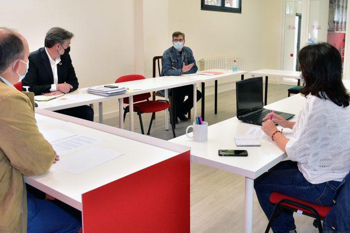 Los socialistas se han reunido con representantes del sector. / KAMARERO