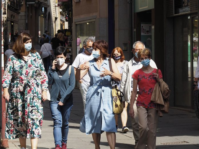 20210616 Calle Gente Mascarillas Coronavirus KAM9301