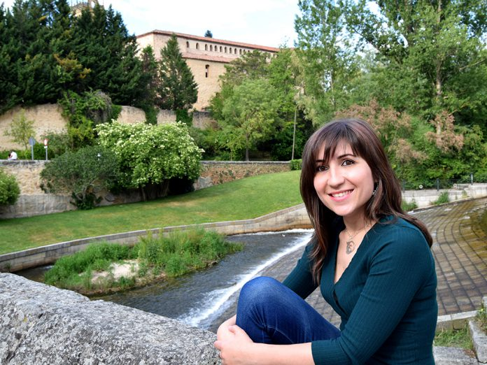 Cat Yuste es el seudónimo que la autora utiliza desde que comenzó a escribir hace ya 10 años. / EL ADELANTADO