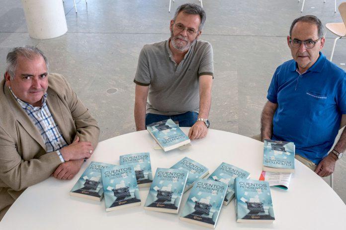 Junto a los escritores José Ignacio García, José Antonio Abella e Ignacio Sanz, 'Cuentos pendientes' reúne a los nuevos referentes del género en Castilla y León. / KAMARERO