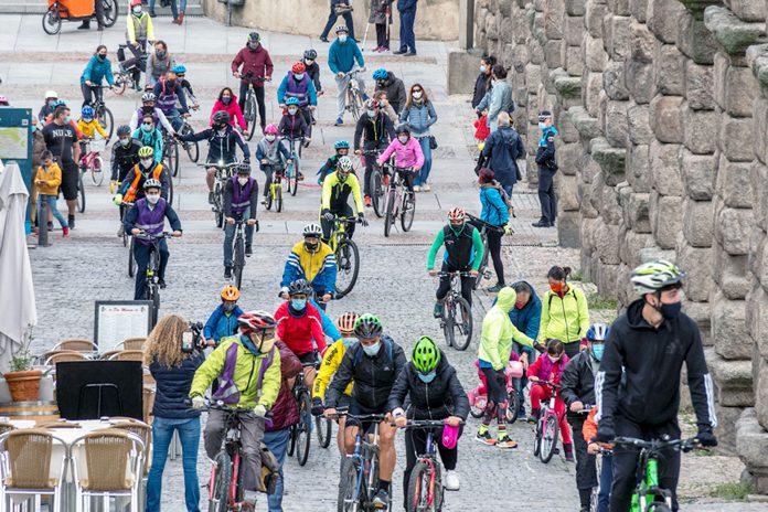 Bicicla Marcha Protesta Carril Bici KAM2412