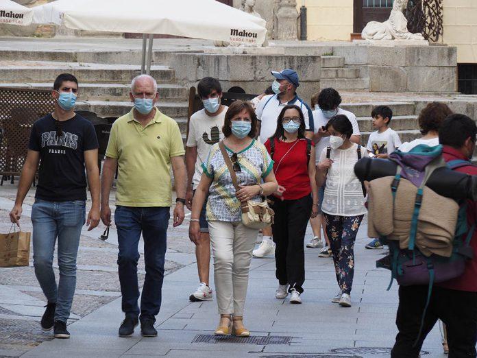 Calle Gente Mascarillas Coronavirus KAM7