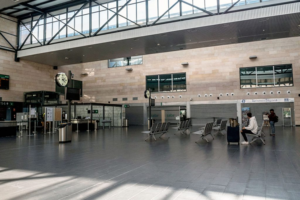 Coronavirus Confinamiento Regional Estacion Tren AVE KAM5550