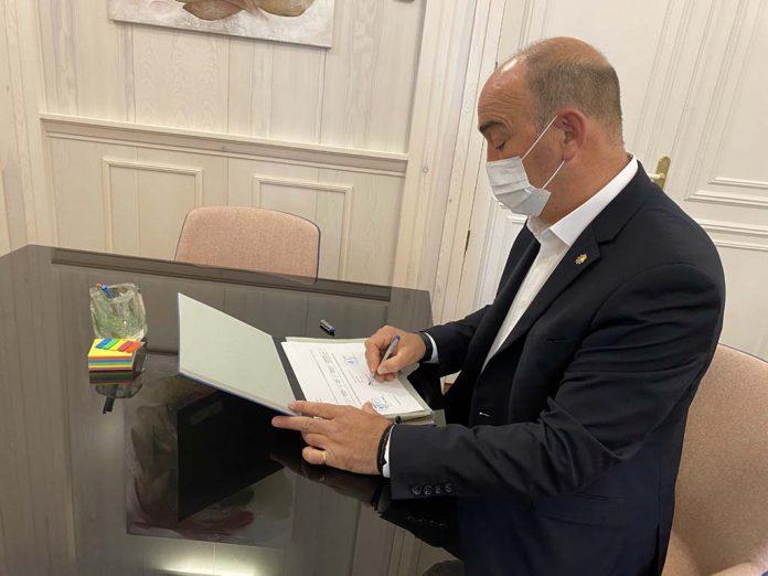 Miguel Angel de Vicente Firma nomina trabajadores Diputacion