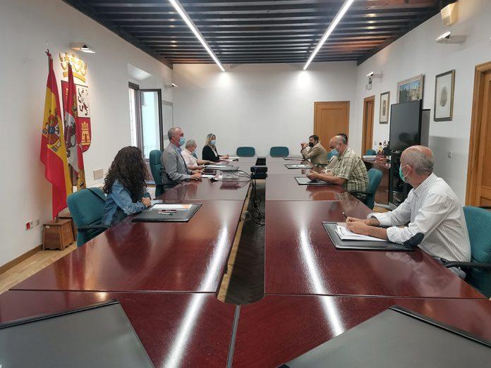 Reunion con la mesa provincial Hosteleria y Turismo