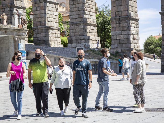 Turistas Coronavirus Mascarilla Nerea Llorente 1