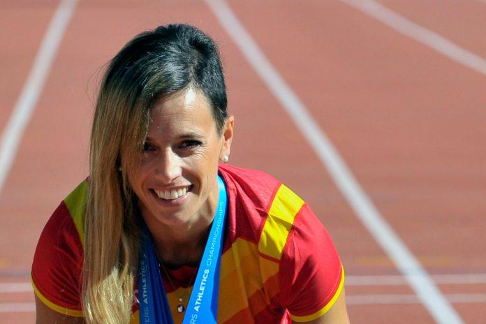 El objetivo de Carolina García para la próxima temporada es clasificarse de nuevo a un Campeonato de España absoluto de atletismo. / KAMARERO