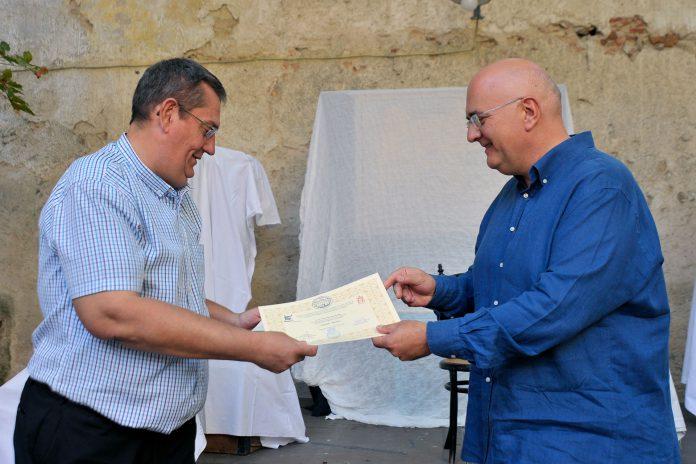 La dotación económica del premio es de 800 euros. / KAMARERO