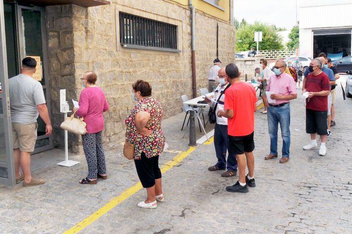 Centro Civico San Jose Reparto Mascarillas Coronavirus KAM5721