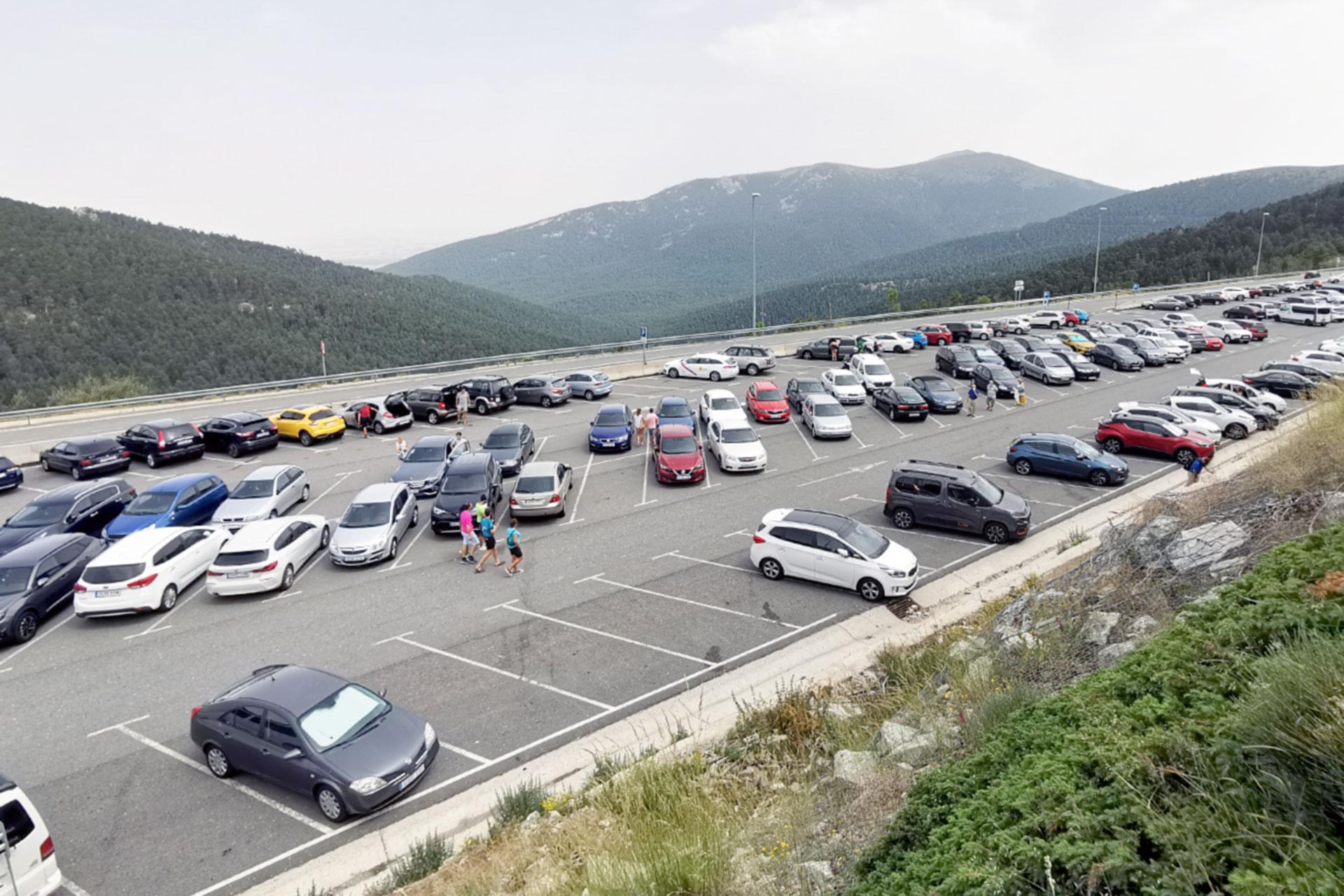 puerto navacerrada aparcamiento coche