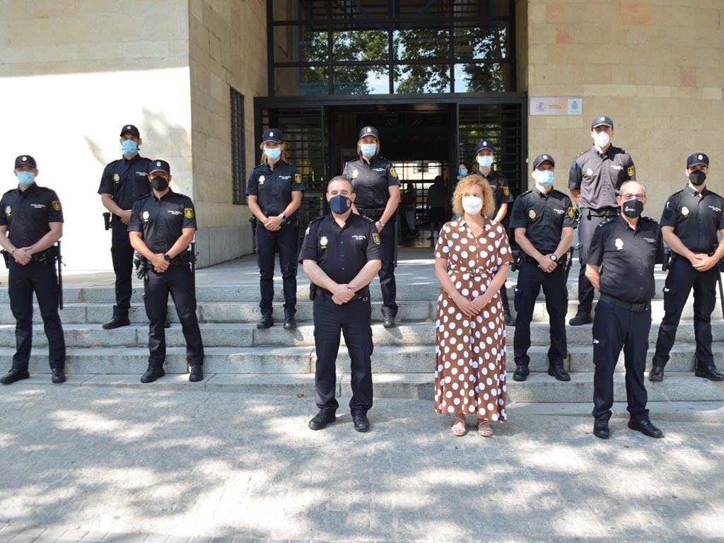 recibimiento nuevos policias comisaria subdelegada del gobierno lirio martin