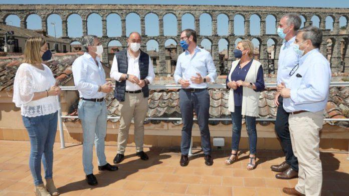 El Parador de Turismo de Segovia acogió ayer la reunión del Comité de Dirección del PP provincial. / EL ADELANTADO