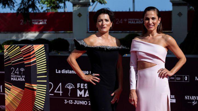 Silvia Abril y Toni Acosta en el Festival de Málaga. / EFE