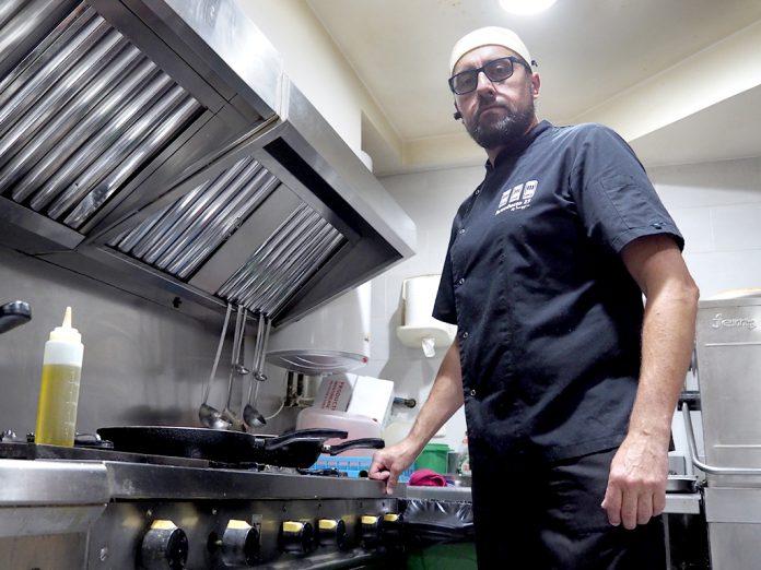 Jesús Castellanos se adentró en el mundo de la hostelería hace ya 16 años. / KAMARERO