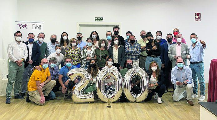 Fotografía del grupo durante la reunión 200 celebrada el día 2 de este mes de septiembre. / E. A.