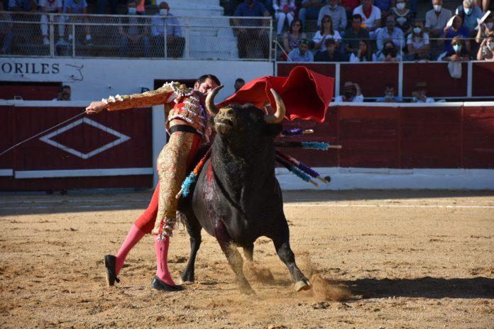Pase de pecho de Emilio de Justo. / A.M