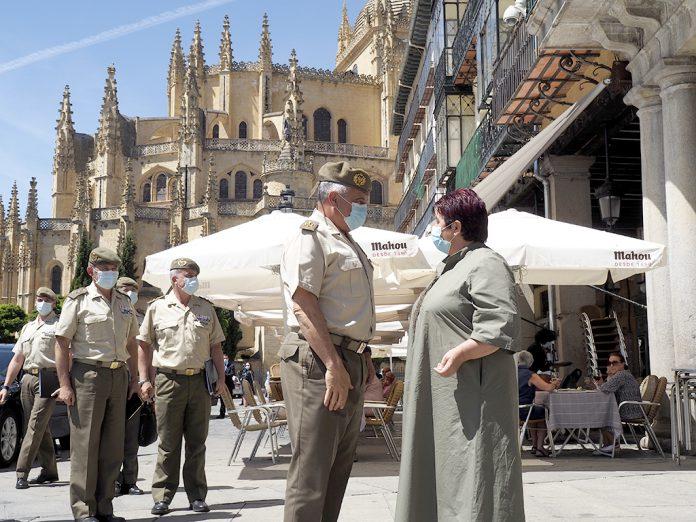 El PSOE recuerda el compromiso del JEME con Segovia para traer una unidad militar en su visita de julio