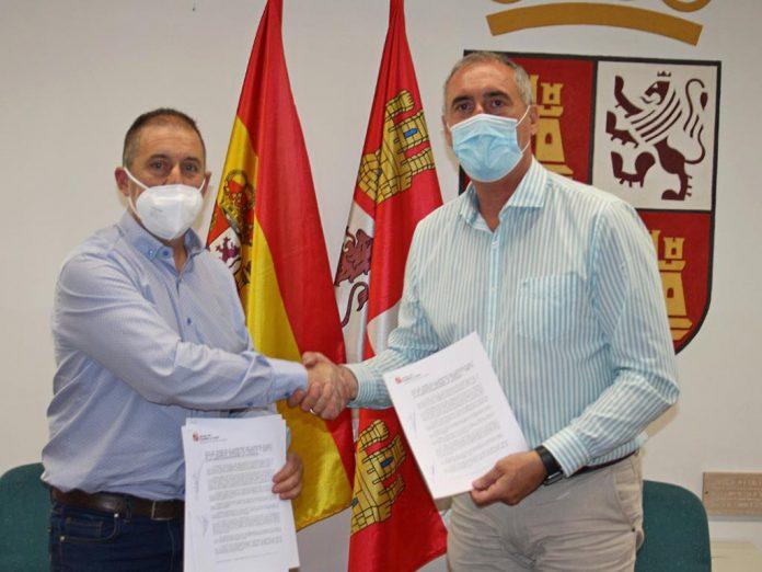 Firma cesion travesia Martin Munoz de las Posadas