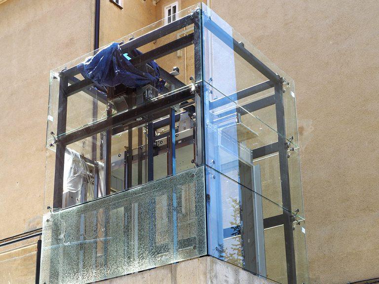 El PP critica la demora en los ascensores de San José