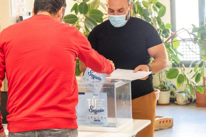 Ayuntamiento Votacion Presupuestos Participativos KAM3733